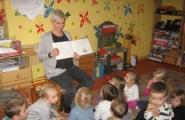 2015-10-15 - Motylki - Mama Tosi czyta bajkę