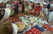 2015-10-28 - Mrówki - Pieczemy marchewkowe muffinki