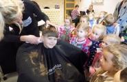 2015-12-01 - Żabki - U fryzjera