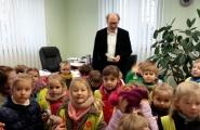 2015-12-16 - Mrówki - Z życzeniami w Gimnazjum i SP 2