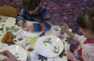 2016-04-07 - Mrówki - Dzień Zdrowia - Zjadamy wyhodowany w naszym kąciku szczypiorek
