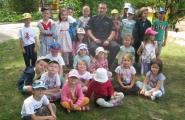 2016-06-06 - Motylki, Mrówki - Pan Policjant czyta bajkę