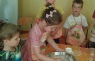 2016-06-30 - Motylki - Pieczemy chleb