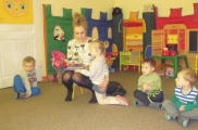 2017-02-15 - Kotki - Mama Kornelki czyta bajkę