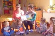 2017-03-15 - Absolwenci - Julka czyta o swoim hobby
