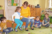 2017-04-04 - Żabki - Mama Maćka czyta bajkę