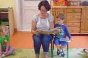 2017-05-31 - Żabki - Babcia Maciusia czyta bajkę o Franklinie
