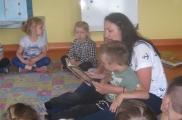 2017-06-08 - Motylki - Mama Tytusa czyta bajkę