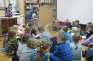 2017-12-13 - Mrówki - W bibliotece