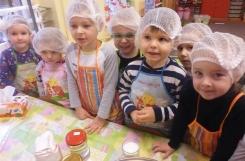 2018-02-19 - Biedronki - Pieczemy muffinki dla Mikołaja Kopernika