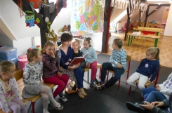2018-04-26 - Sowy - Mama Zuzi czyta bajkę