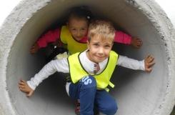 2018-07-12 - Sowy - Wycieczka na budowę (dzieci znajdowały się w bezpiecznej strefie, a prace zostały na ten czas przerwane)