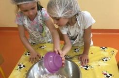 2018-09-19 - Mrówki - Pieczemy chleb