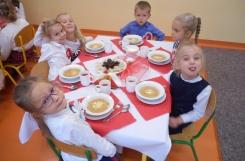 2018-11-09 - Mrówki - Elegancki obiad biało-czerwony