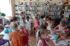 2019-06-12 - Motylki - W bibliotece