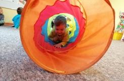 2019-10-02 - Kotki - Za oknem pada i pada, a u nas cały czas zabawa
