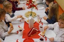 2019-11-08 - Biedronki - Elegancki obiad z okazji Dnia Niepodległości