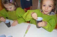 2019-10-10 - Mrówki, Motylki -  Pouring - malowanie przez wylewanie