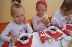 2019-11-08 - Mrówki - Elegancki obiad