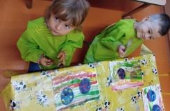 2020-08-03 - Kotki - Sztuka - malarstwo - piłeczka sportowa