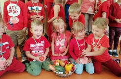 2020-09-17 - Motylki - Dzień Przedszkolaka - Pomidorowe atrakcje