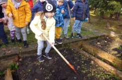 2020-10-22 - Biedronki - Prace w ogrodzie