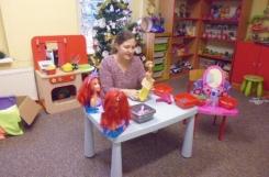 2020-12-09 - Biedronki - Barbie w zakładzie fryzjerskim - teatrzyk
