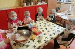 2020-12-14 - Motylki - Pieczemy chleb dla przedszkolaków