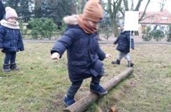 2020-12-16 - Żabki - Zabawy na terenie przedszkolnym