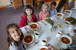 2021-05-26 - Mrówki - Elegancki obiad z okazji Dnia Matki