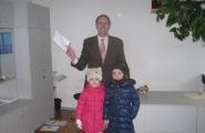 2016-03-18 - Mrówki - Z życzeniami u pana Dyrektora szkoły mistrzostwa sportowego